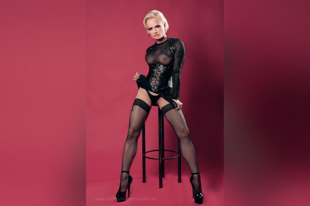 2. Bild von Mistress Sinister