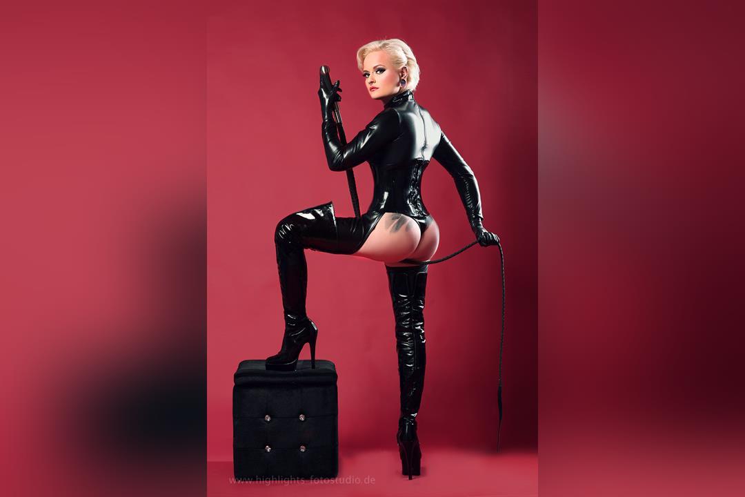 1. Bild von Mistress Sinister