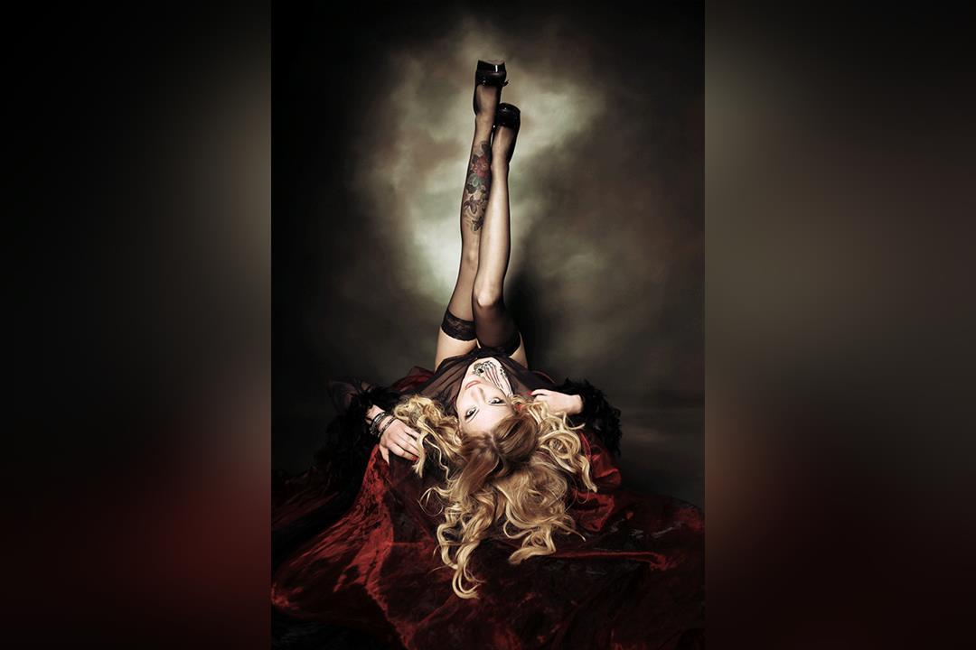 2. Bild von Miss Bathory
