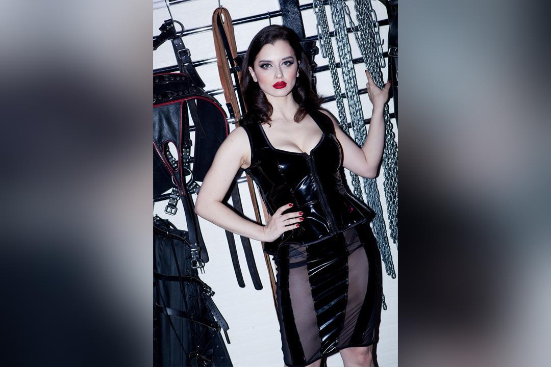 3. Bild von Mistress Bella Lugosi