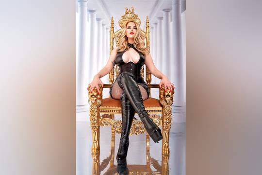 Profilbild von Mistress Luna