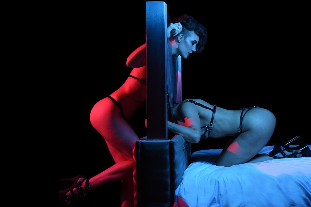 4. Bild von Carat Furniture XXX