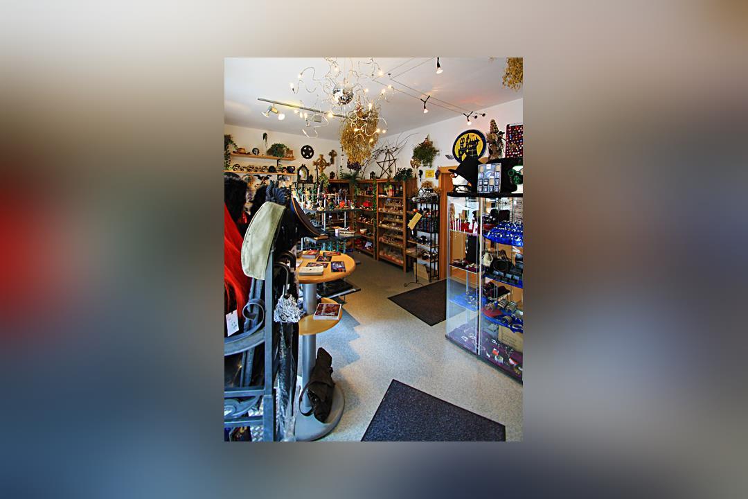 1. Bild von Mac`s Mystic Store